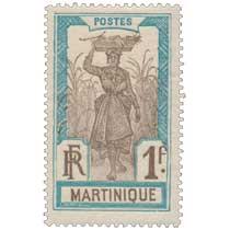 Martinique - Porteuse de fruits