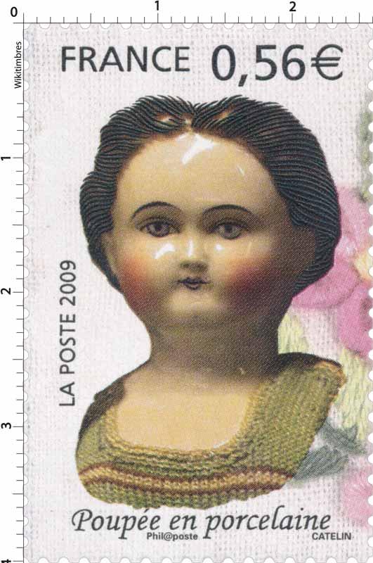 2009 Poupée en porcelaine